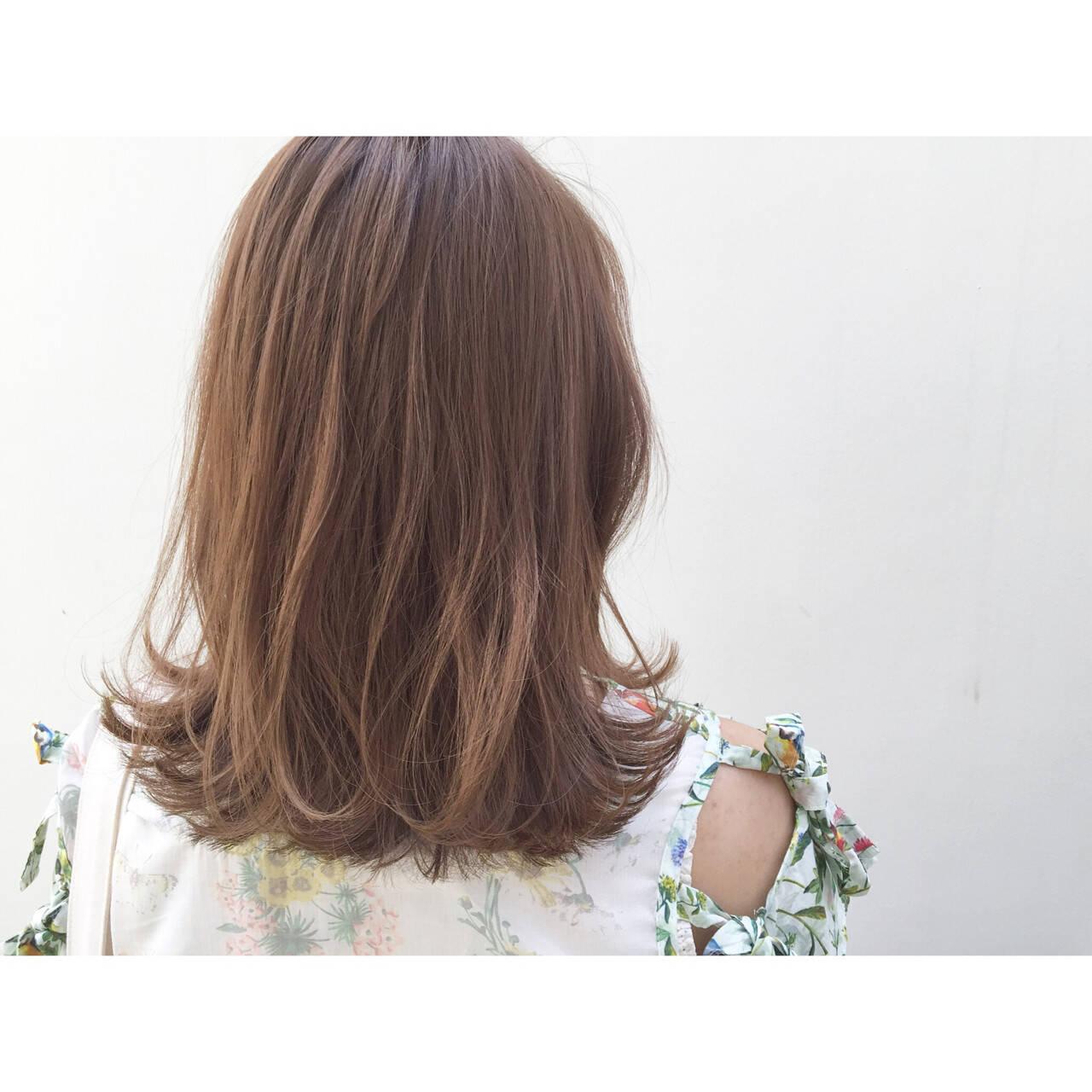 暗髪 ナチュラル ミディアム グラデーションカラーヘアスタイルや髪型の写真・画像
