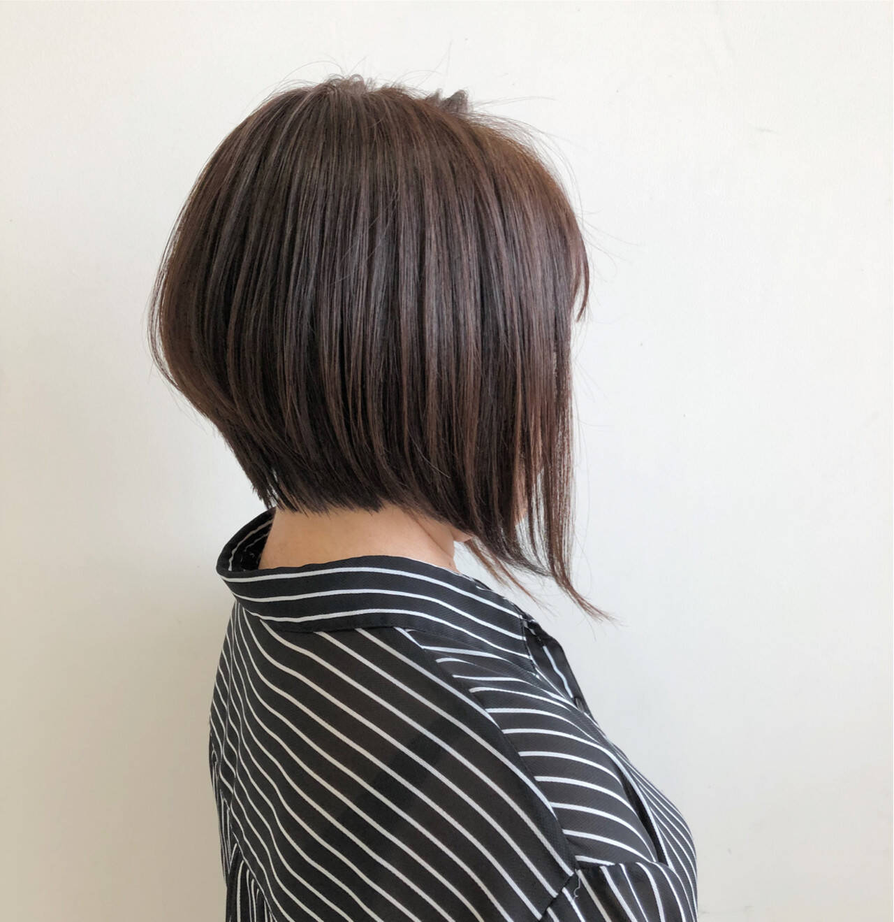 艶髪 ボブ ショート 前下がりヘアスタイルや髪型の写真・画像