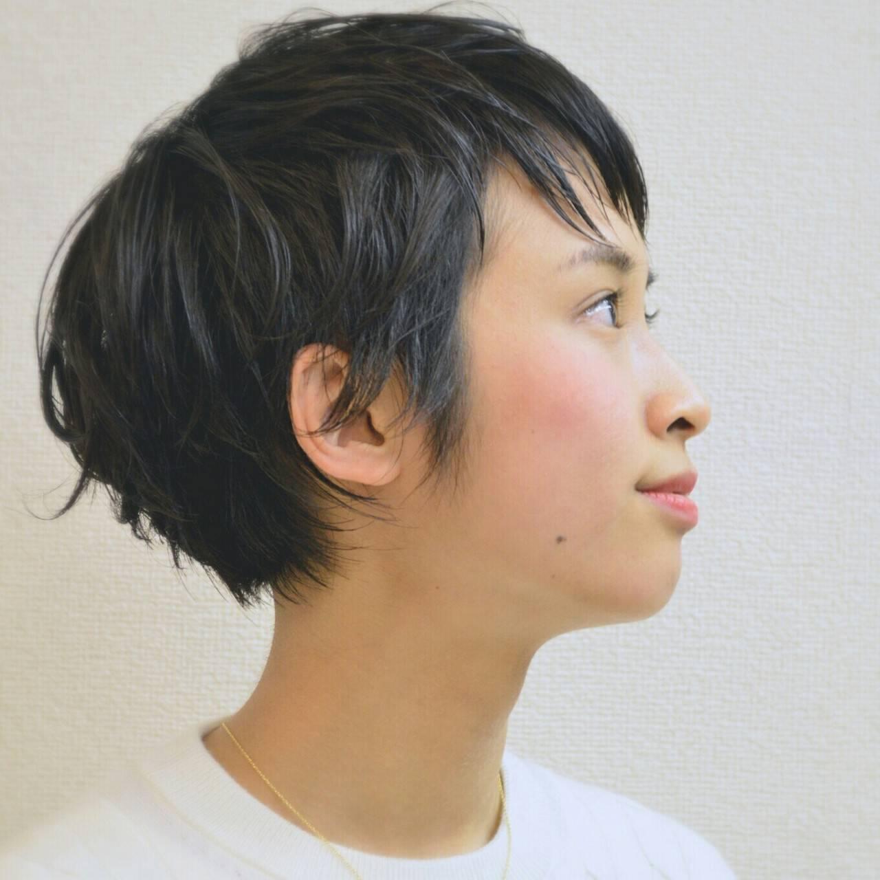 レザーカット 大人かわいい 黒髪 ショートヘアスタイルや髪型の写真・画像