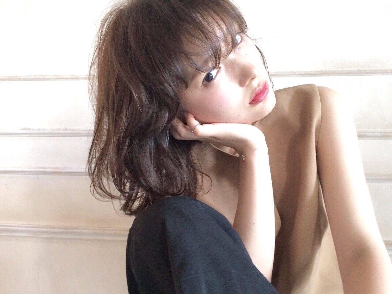 黒髪 モード 外国人風 フェミニンヘアスタイルや髪型の写真・画像