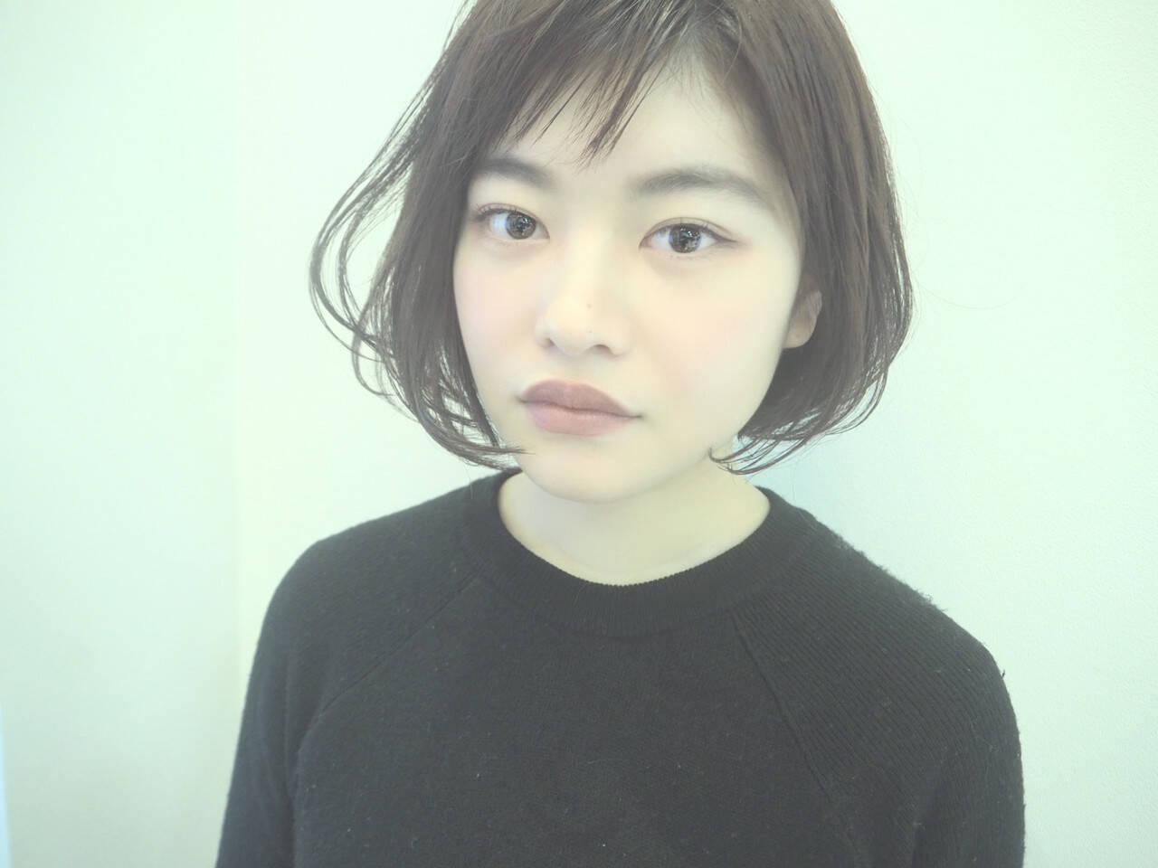 コンサバ 小顔ショート オフィス ショートボブヘアスタイルや髪型の写真・画像