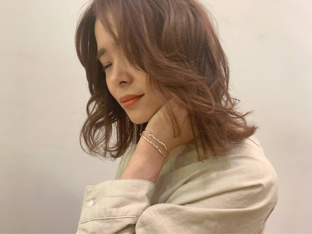 ミディアム デート オフィス かわいいヘアスタイルや髪型の写真・画像