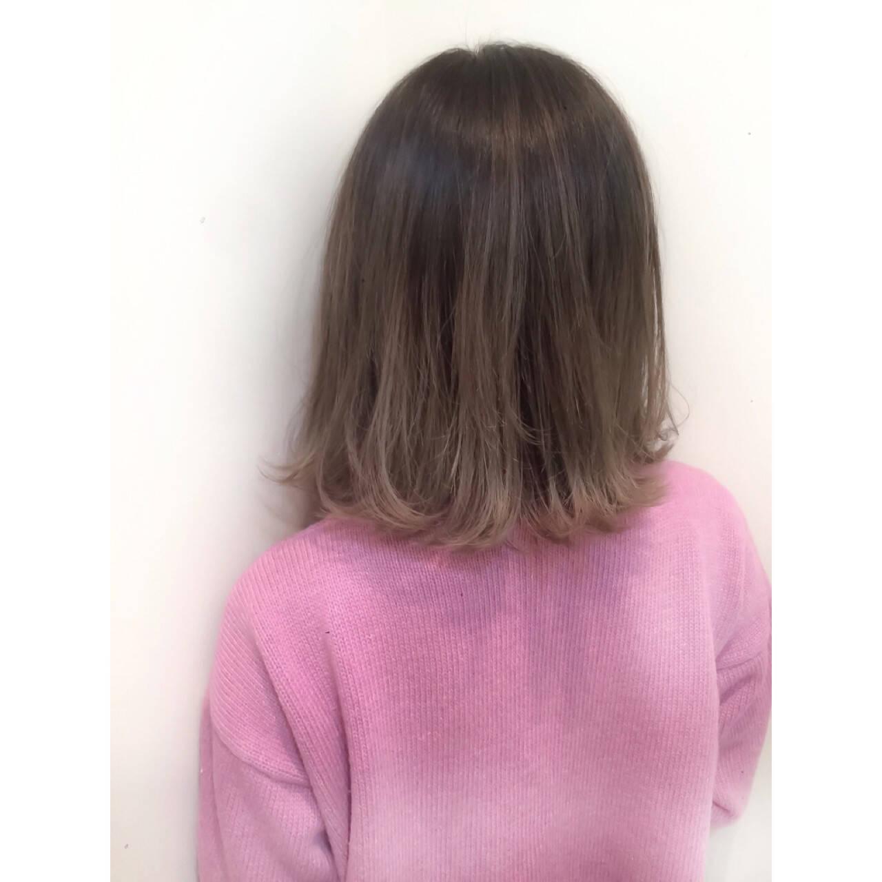 ミディアム グラデーションカラー ハイライト 大人かわいいヘアスタイルや髪型の写真・画像