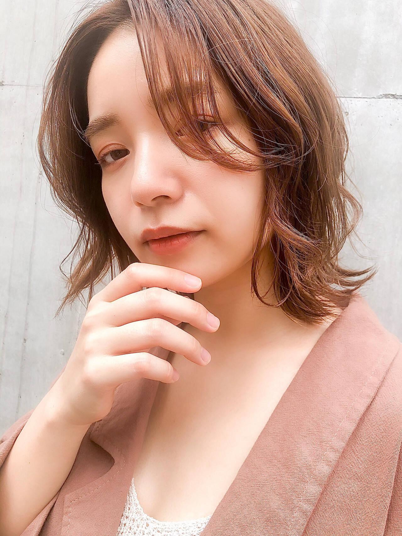 インナーカラー ロブ ナチュラル ハイライトヘアスタイルや髪型の写真・画像