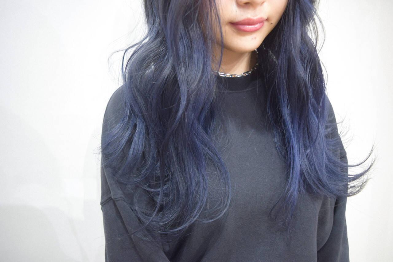 ネイビーブルー ロング ネイビーカラー ストリートヘアスタイルや髪型の写真・画像