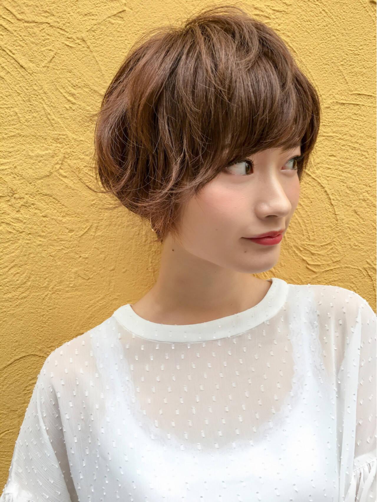 小顔 ショートボブ 色気 ナチュラルヘアスタイルや髪型の写真・画像