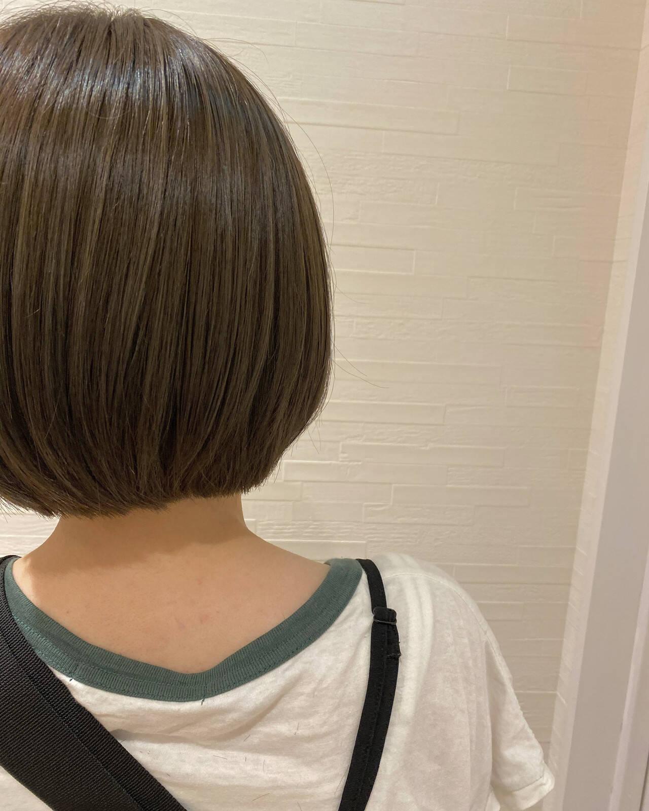 グレージュ ボブ ミニボブ ナチュラルヘアスタイルや髪型の写真・画像