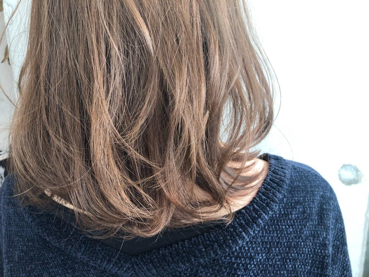 ナチュラル イルミナカラー ヘアカラー ミディアムヘアスタイルや髪型の写真・画像