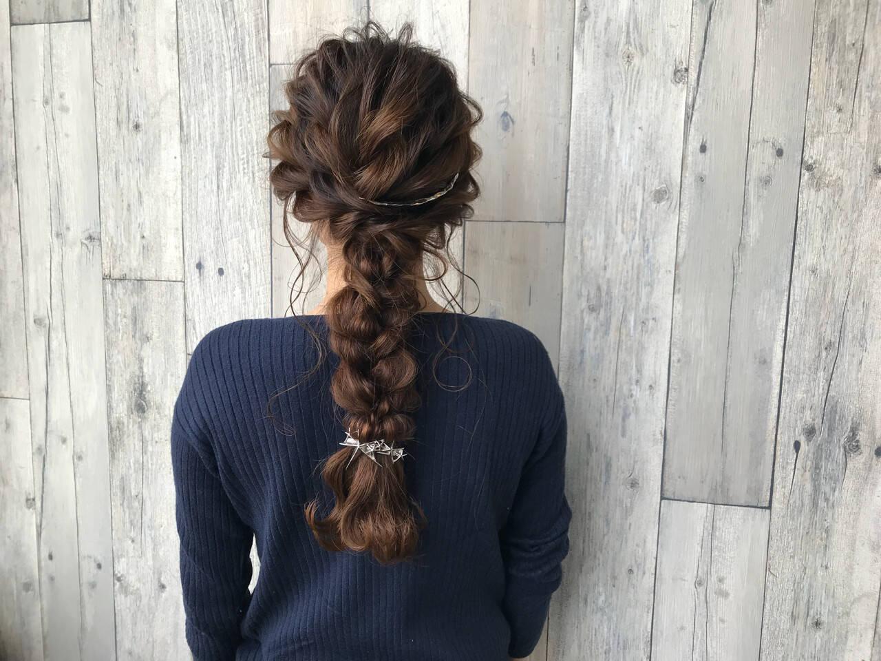 イルミナカラー ナチュラル 結婚式 編み込みヘアスタイルや髪型の写真・画像