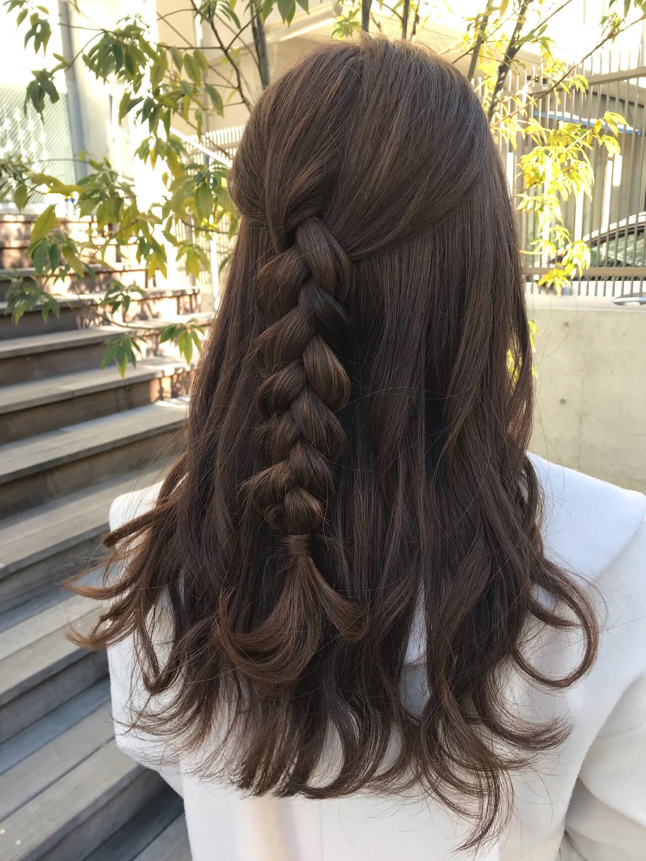 ヘアアレンジ セミロング フェミニン 簡単ヘアアレンジヘアスタイルや髪型の写真・画像