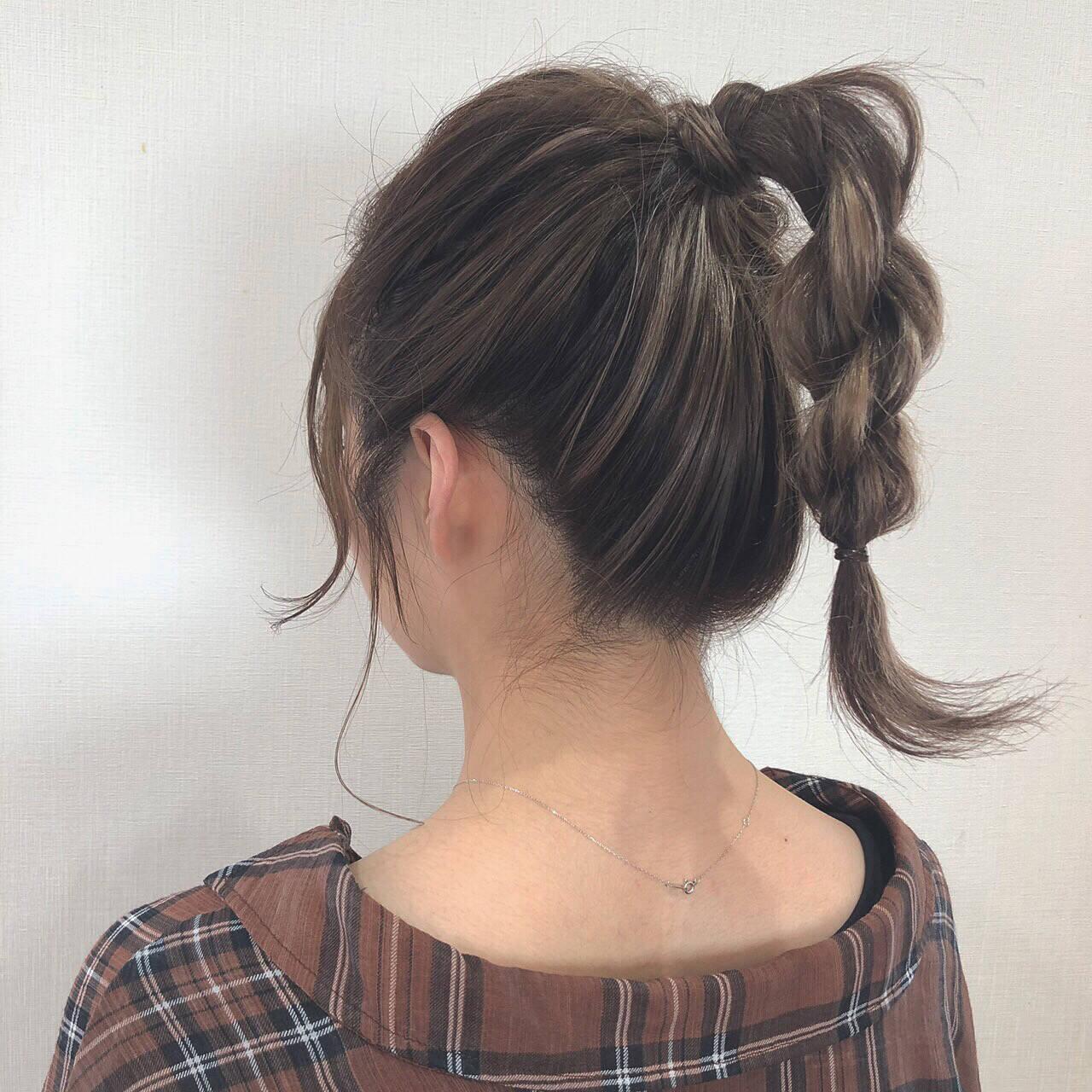 ミディアム ガーリー 簡単ヘアアレンジ デートヘアスタイルや髪型の写真・画像