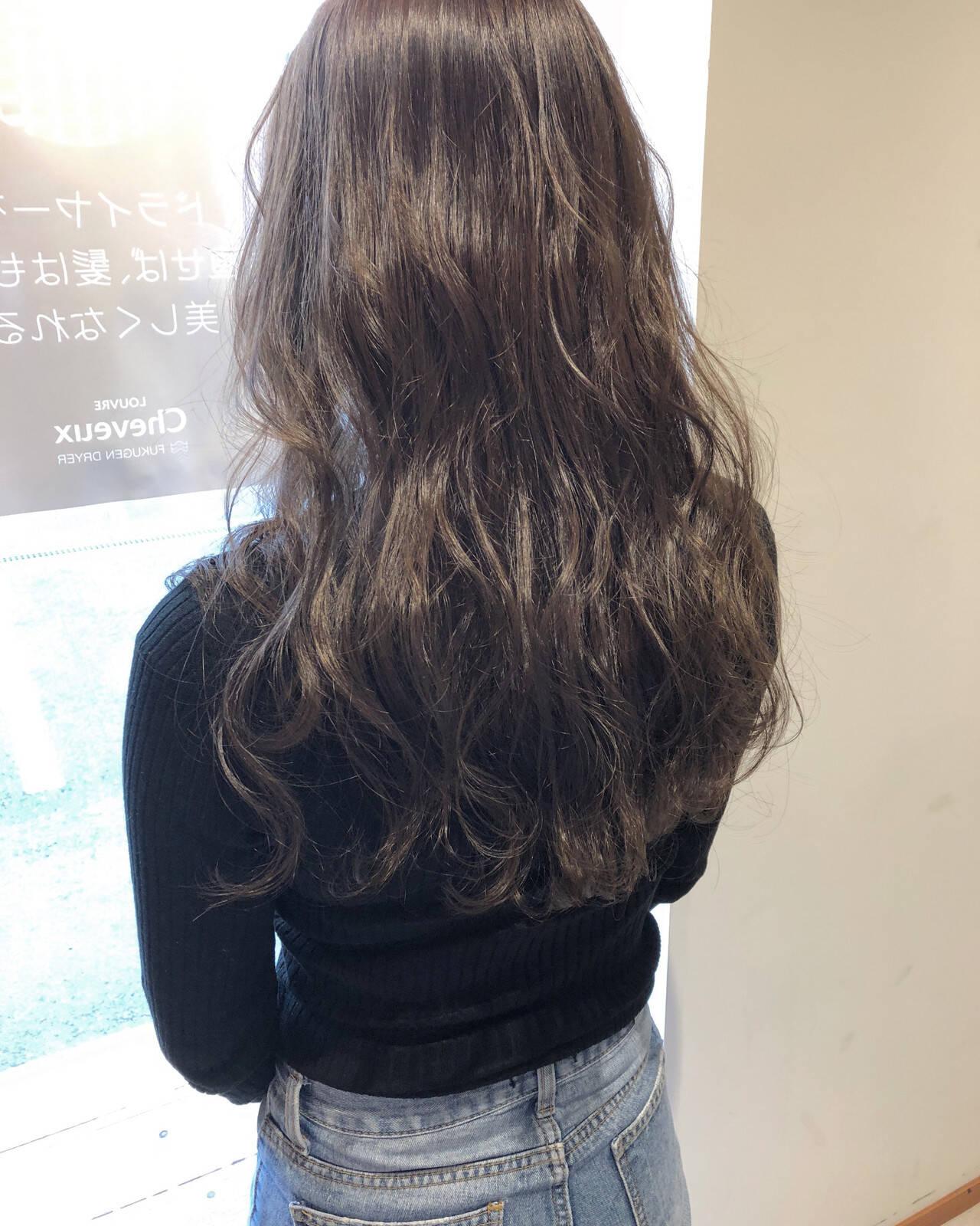 グレージュ エレガント 外国人風カラー ヘアアレンジヘアスタイルや髪型の写真・画像