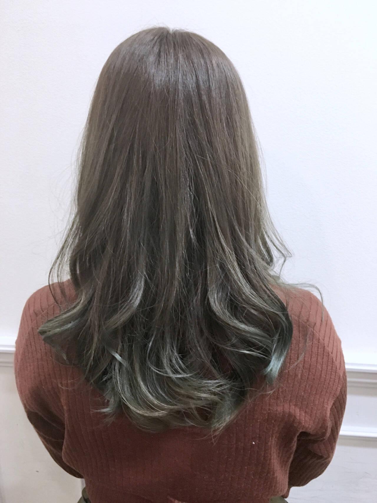 ロング ハイライト ナチュラル グラデーションカラーヘアスタイルや髪型の写真・画像