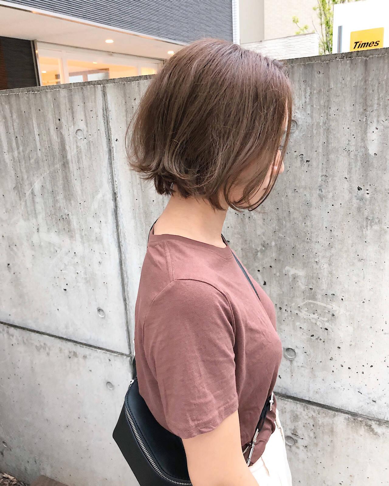 ミニボブ ボブ ハイトーン ナチュラルヘアスタイルや髪型の写真・画像