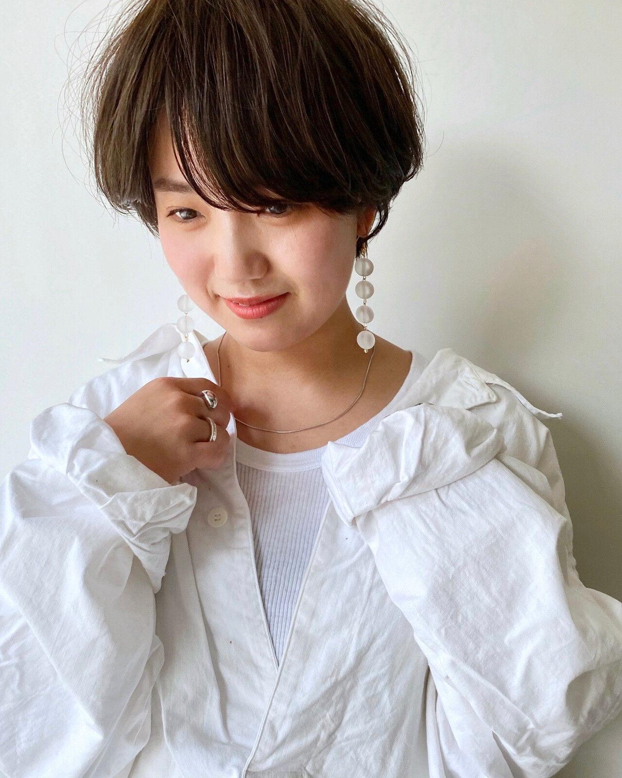 小顔ショート アンニュイ ショート ナチュラルヘアスタイルや髪型の写真・画像