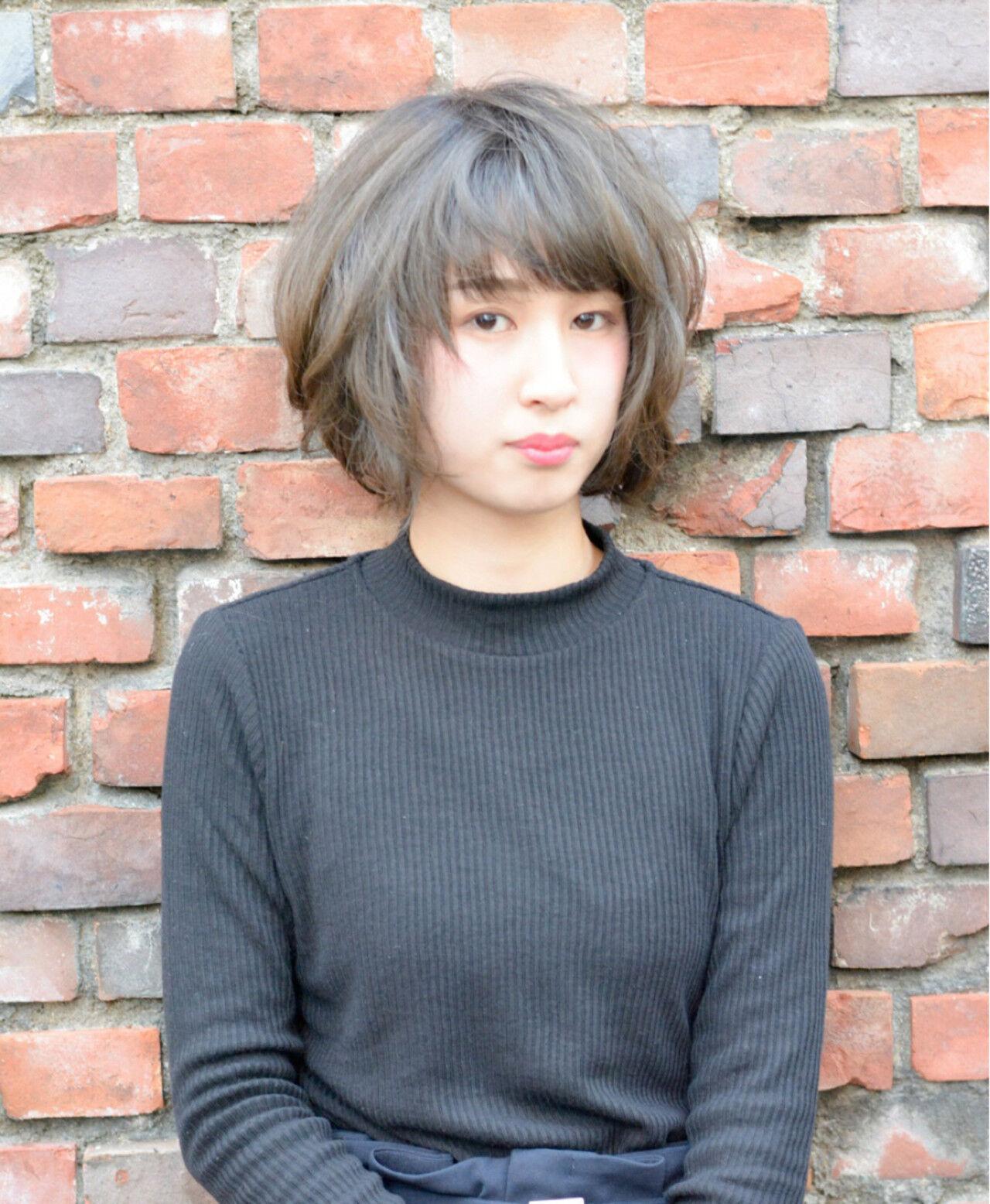 アッシュ 色気 冬 ナチュラルヘアスタイルや髪型の写真・画像