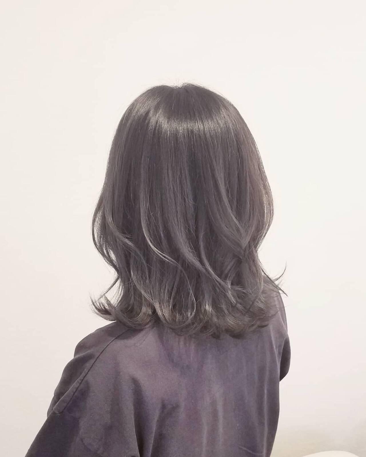 ナチュラル グレージュ 外国人風カラー アッシュヘアスタイルや髪型の写真・画像