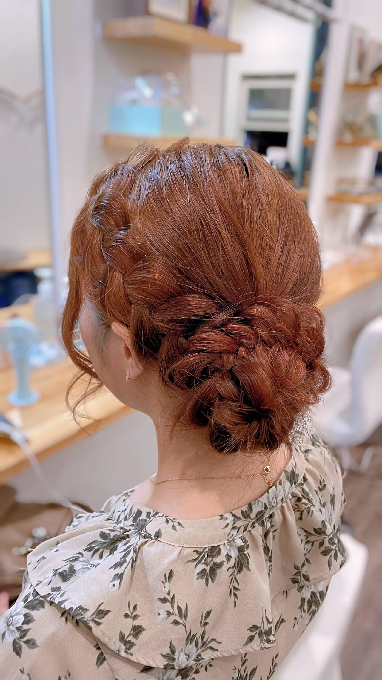 お団子アレンジ ガーリー 簡単ヘアアレンジ セミロングヘアスタイルや髪型の写真・画像