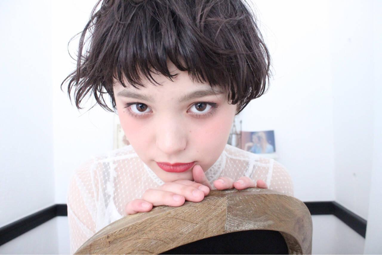 斜め前髪 ニュアンス ショート ナチュラルヘアスタイルや髪型の写真・画像