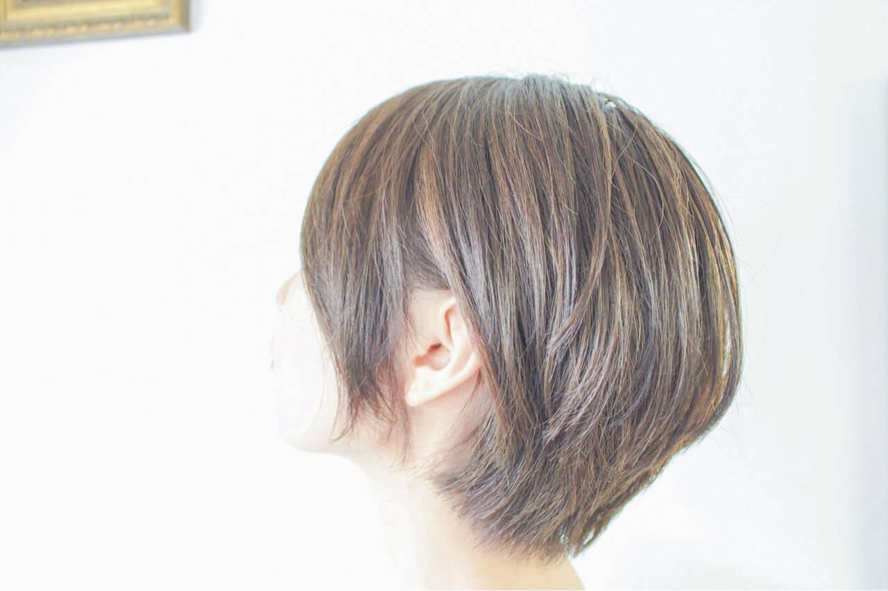 グレージュ ハイライト 外国人風 マッシュヘアスタイルや髪型の写真・画像
