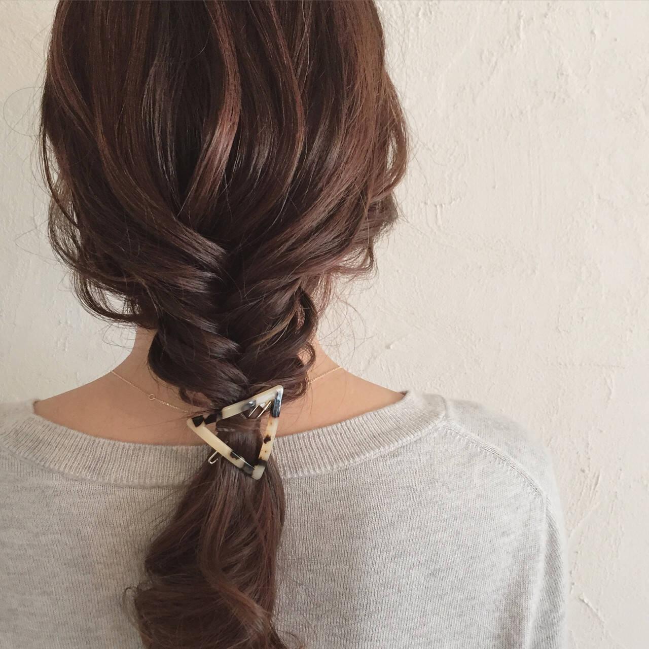 フィッシュボーン ヘアアレンジ ミディアム 簡単ヘアアレンジヘアスタイルや髪型の写真・画像