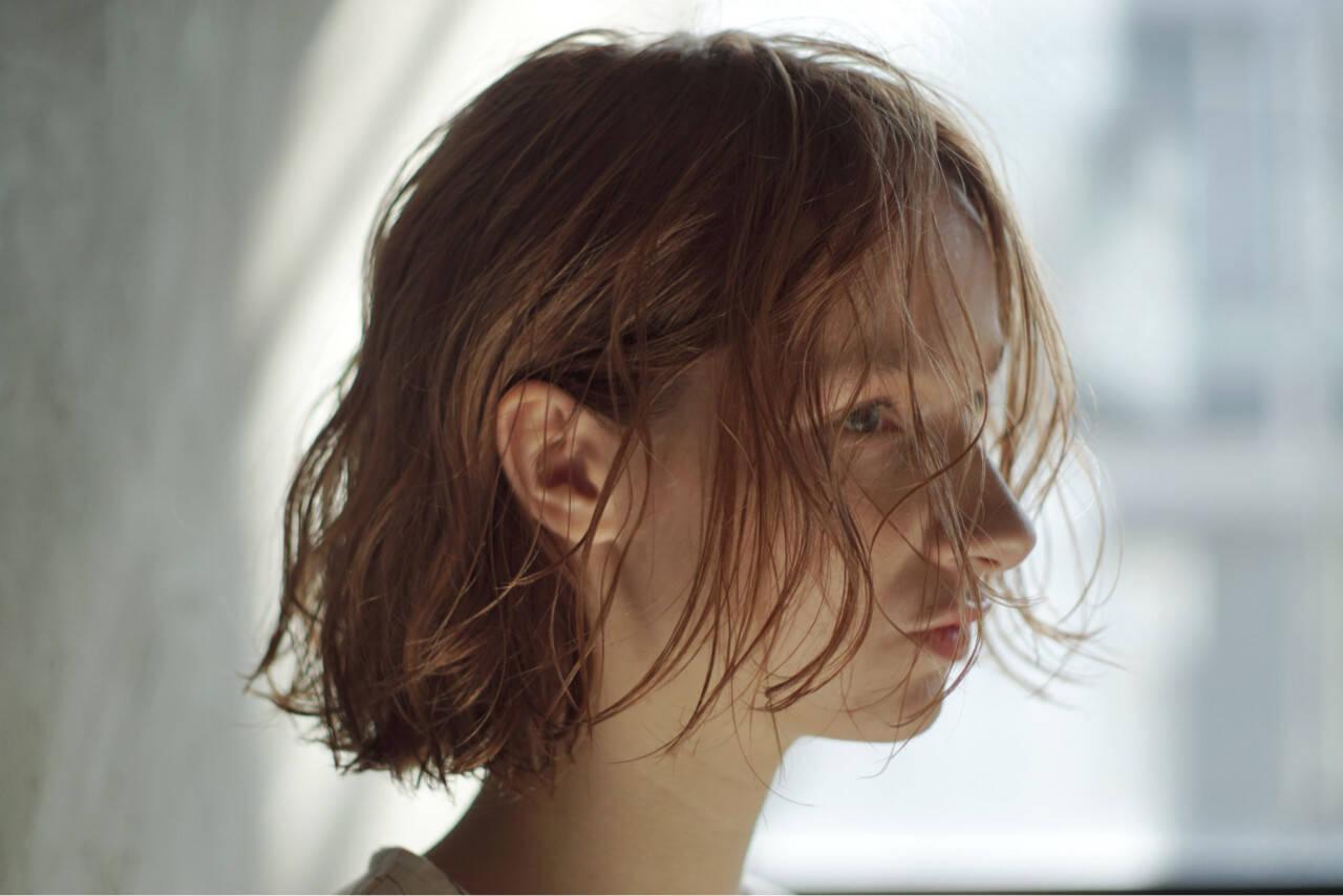 アンニュイほつれヘア 抜け感 シアーベージュ オーガニックヘアスタイルや髪型の写真・画像