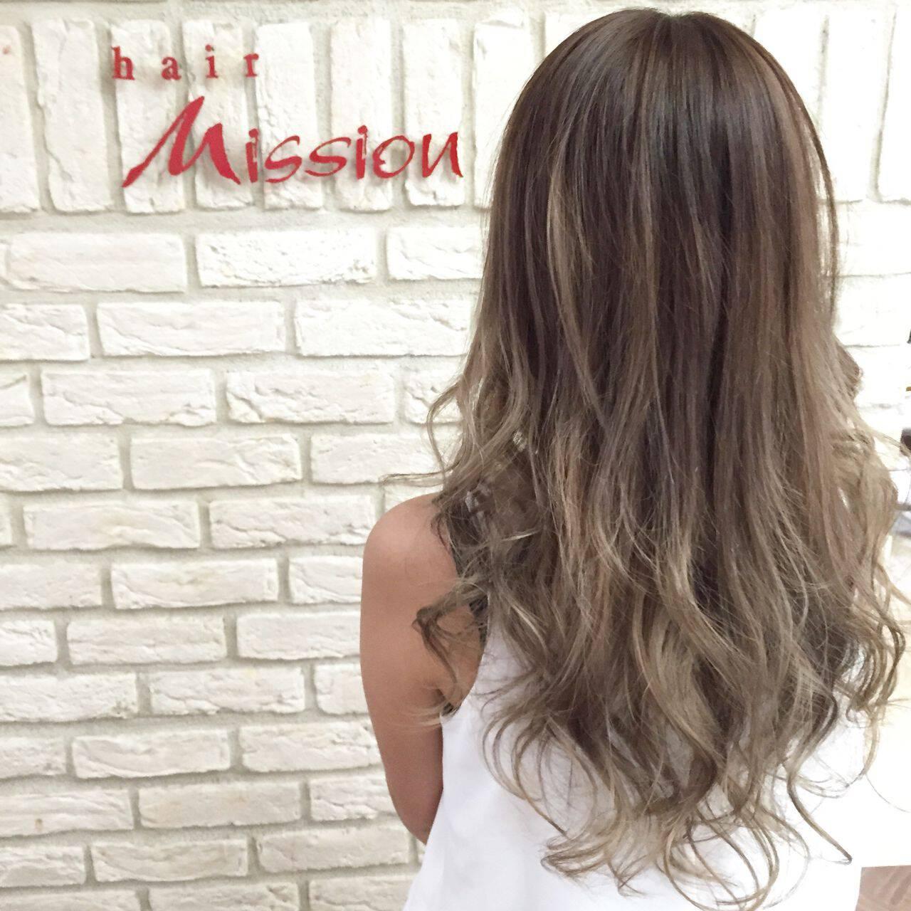 アッシュグラデーション グラデーションカラー ガーリー ロングヘアスタイルや髪型の写真・画像