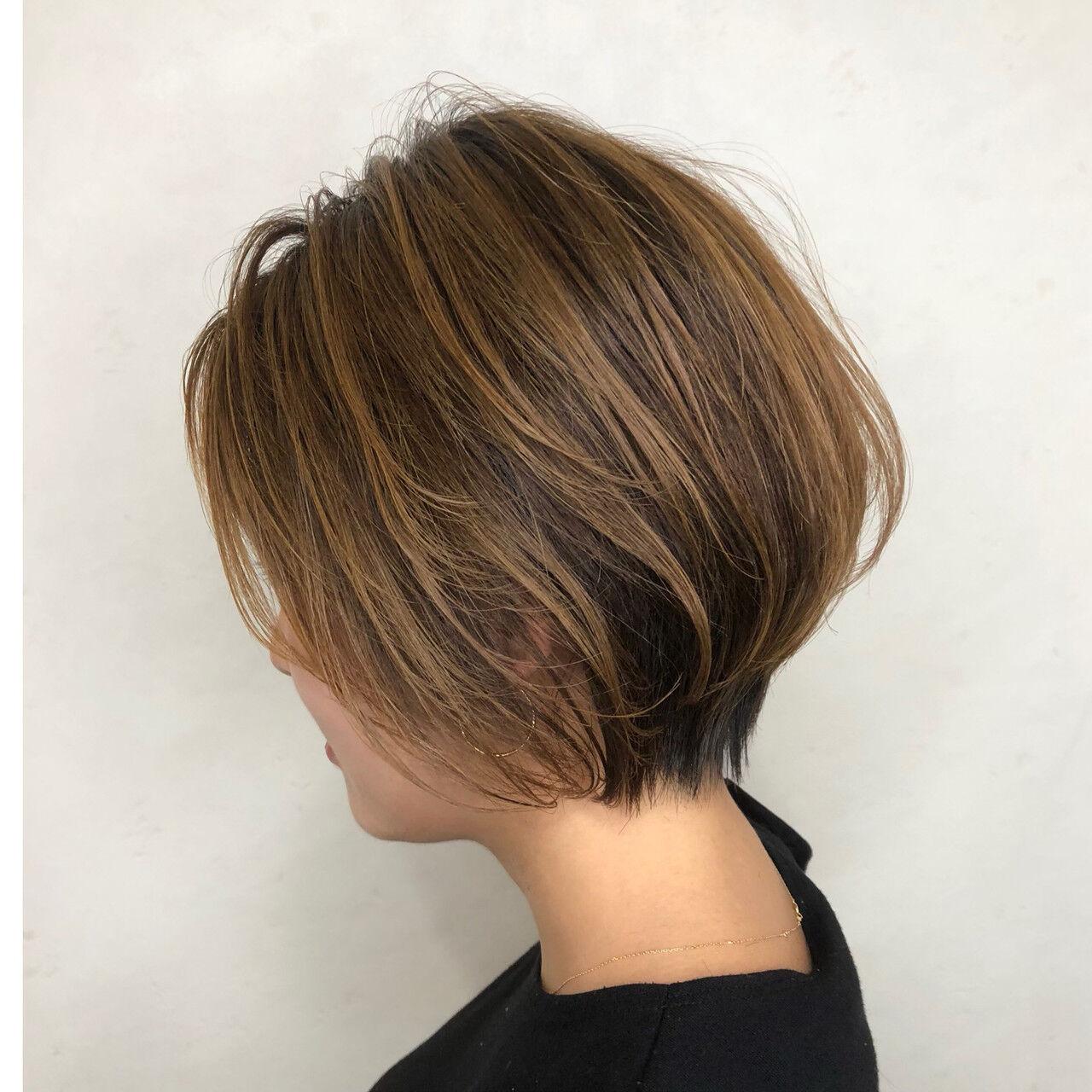 ベージュ ショート ストリート ショートボブヘアスタイルや髪型の写真・画像