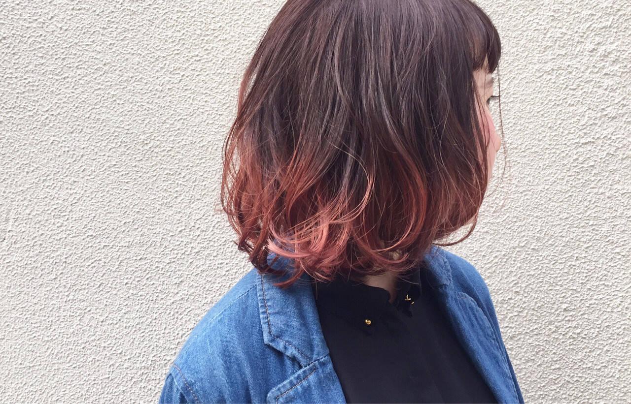ダブルカラー ピンクアッシュ ピンク ストリートヘアスタイルや髪型の写真・画像