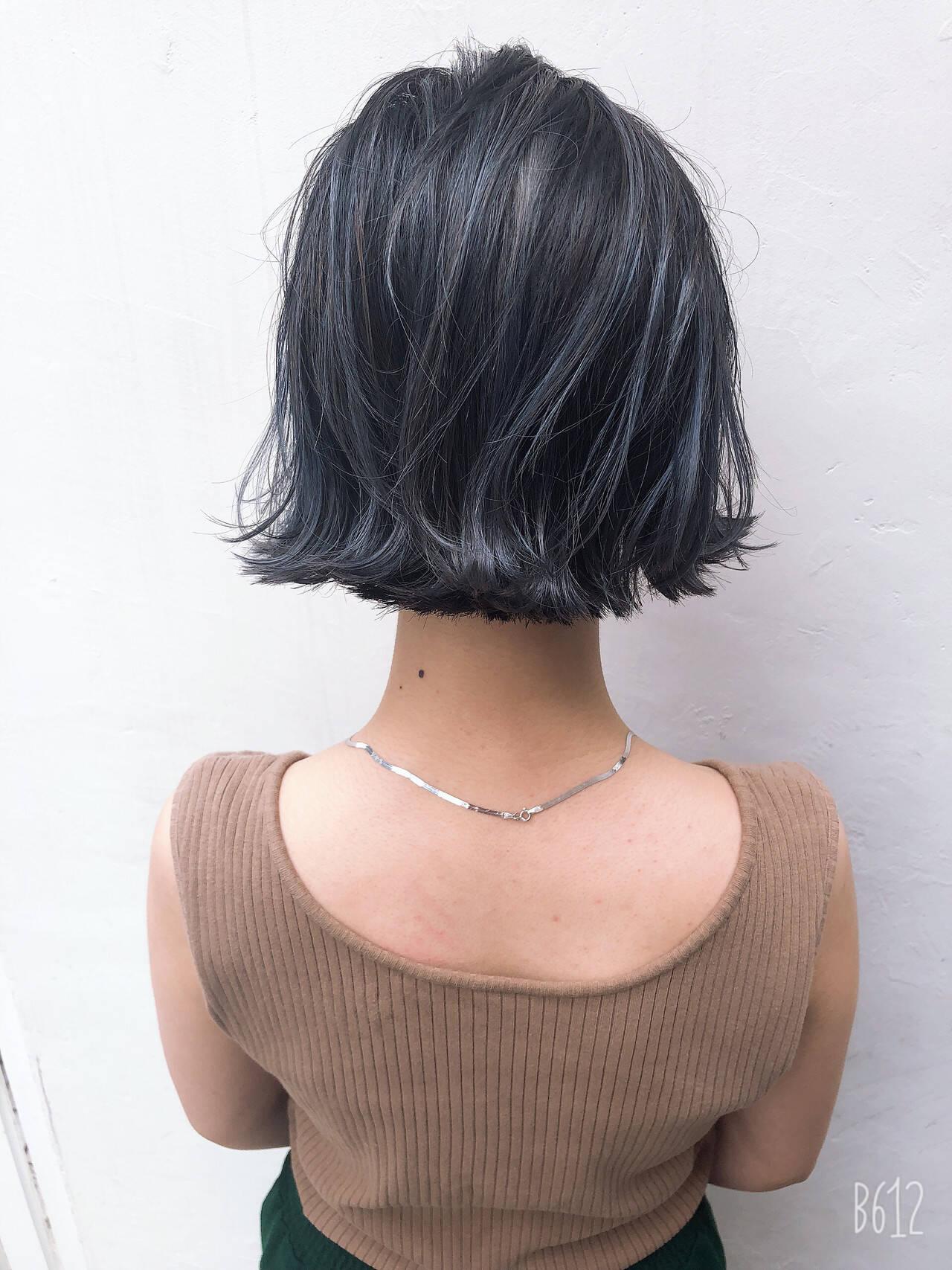 グレー ブルージュ ボブ ナチュラルヘアスタイルや髪型の写真・画像