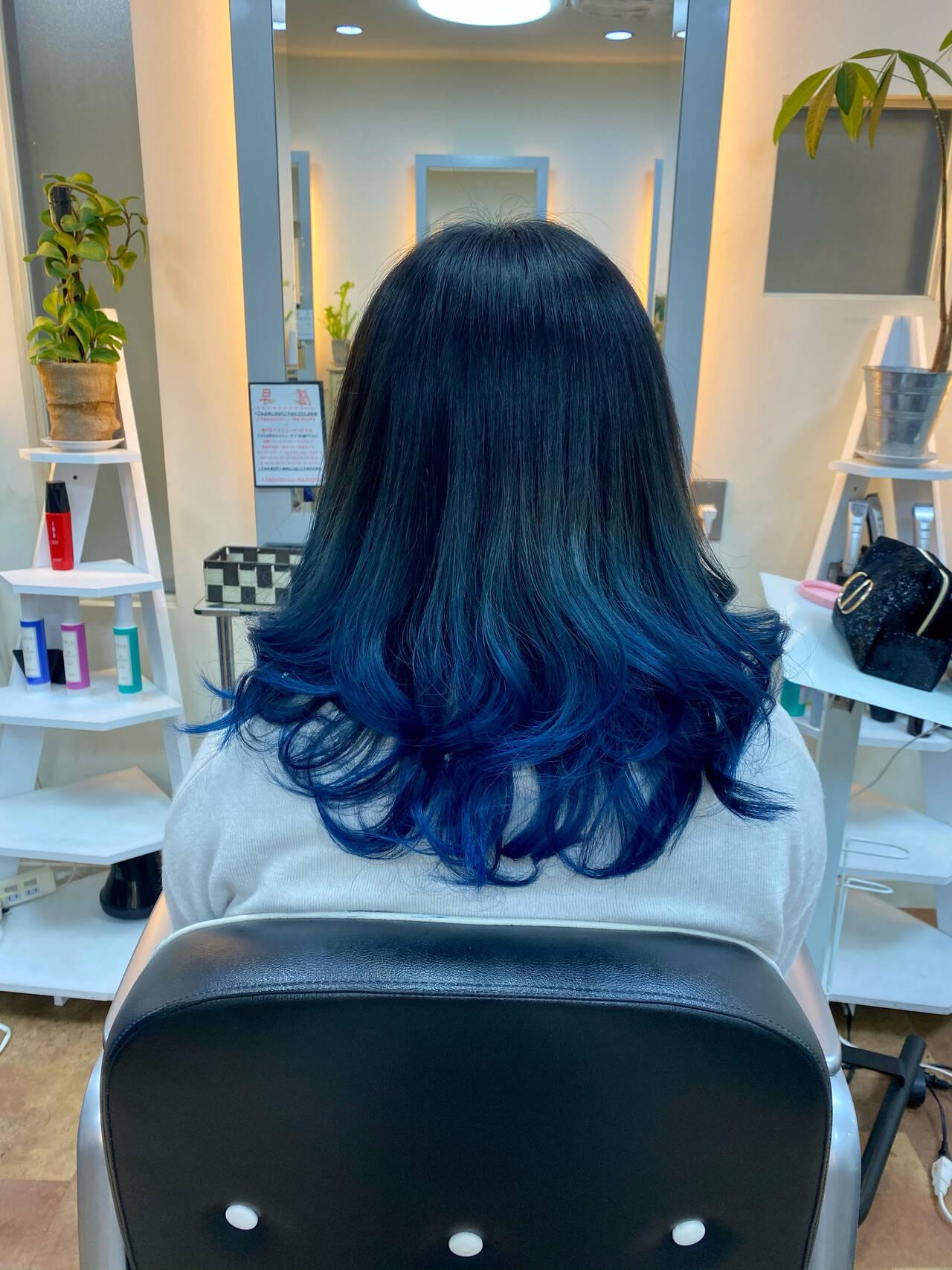 モード イルミナカラー ブルー ブルーアッシュヘアスタイルや髪型の写真・画像
