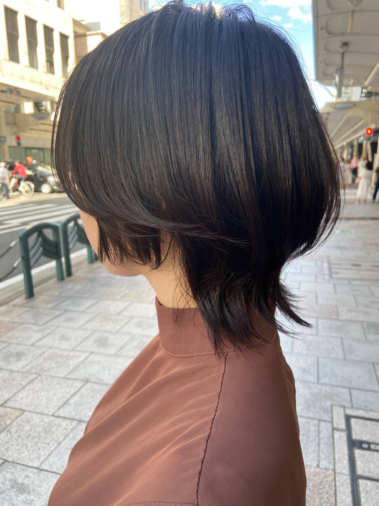 ナチュラル レイヤーカット ブラウンベージュ ウルフカットヘアスタイルや髪型の写真・画像