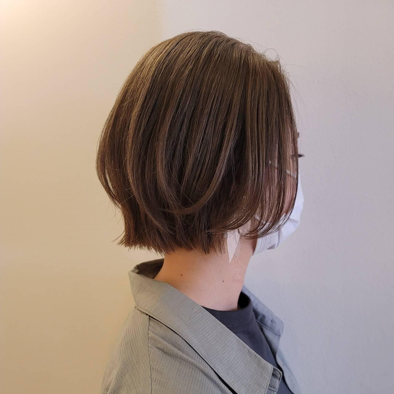 切りっぱなしボブ ショートボブ レイヤーカット ナチュラルヘアスタイルや髪型の写真・画像