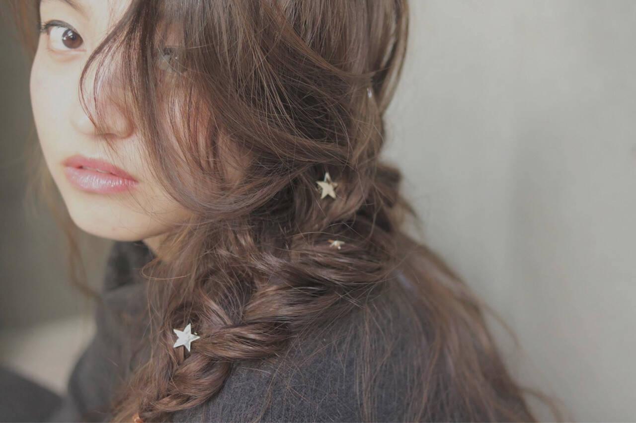 大人女子 ヘアアレンジ くせ毛風 冬ヘアスタイルや髪型の写真・画像