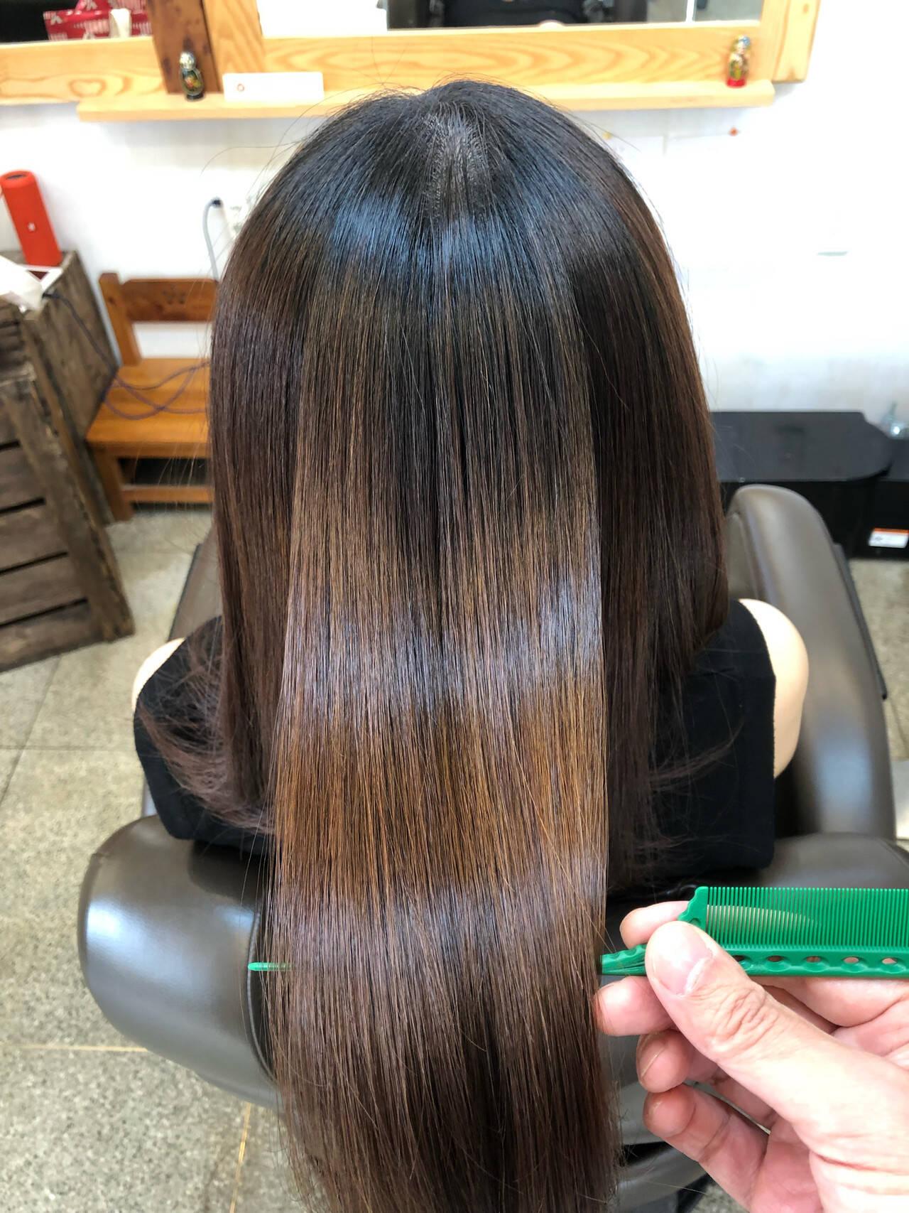 ツヤツヤ 小顔ヘア ナチュラル ロングヘアスタイルや髪型の写真・画像