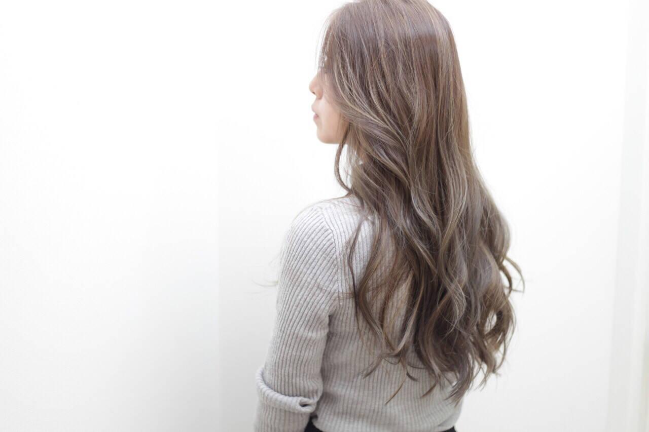 ロング アッシュ ローライト 外国人風カラーヘアスタイルや髪型の写真・画像