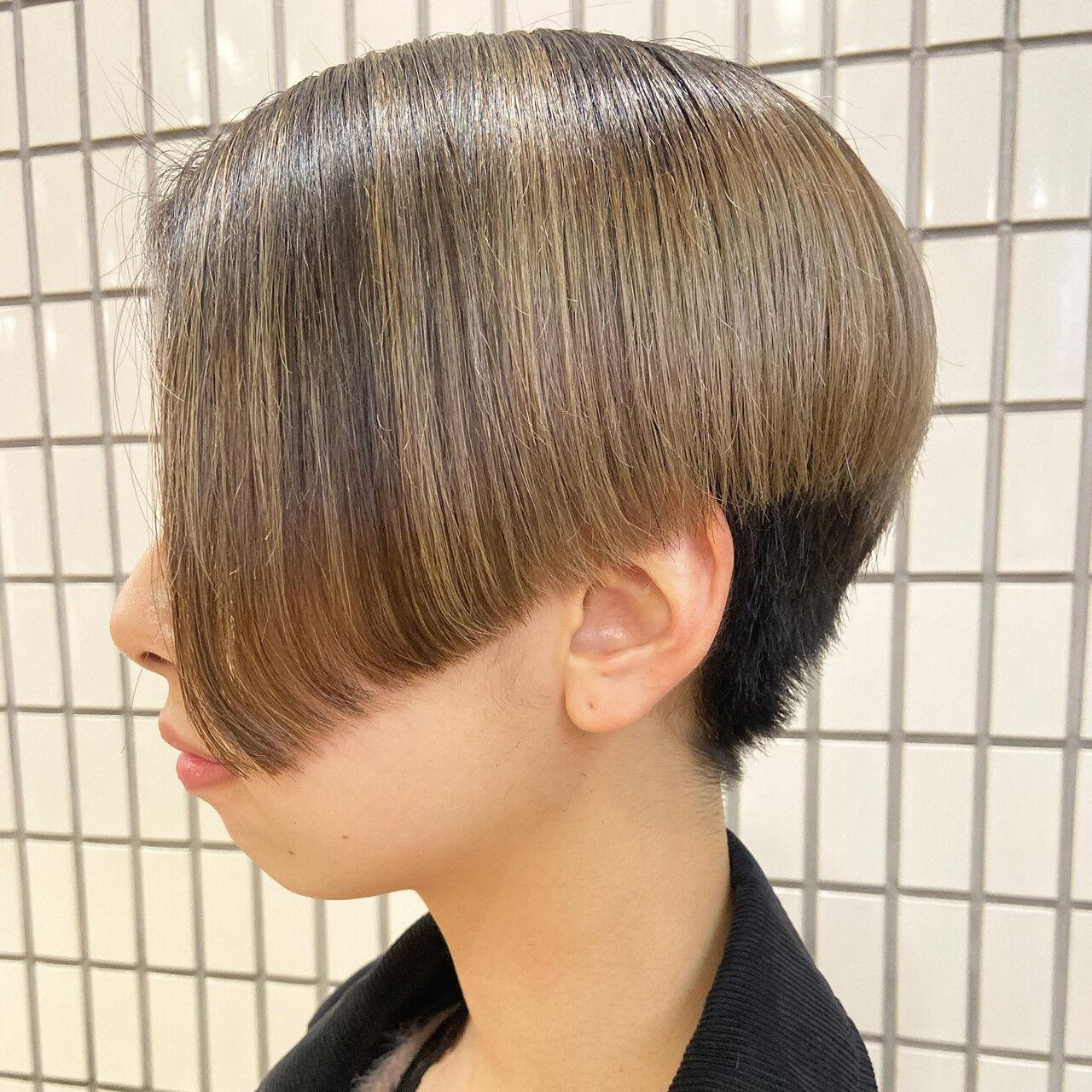 ブリーチオンカラー ナチュラル ショート ブリーチヘアスタイルや髪型の写真・画像