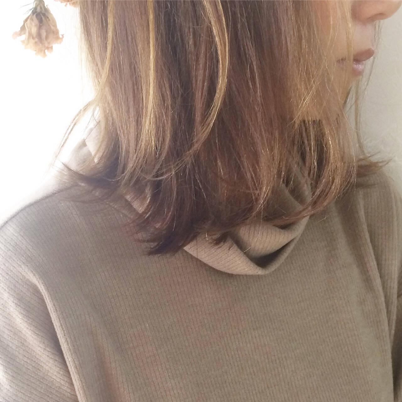 ミディアム ニュアンス ボブ ハイライトヘアスタイルや髪型の写真・画像