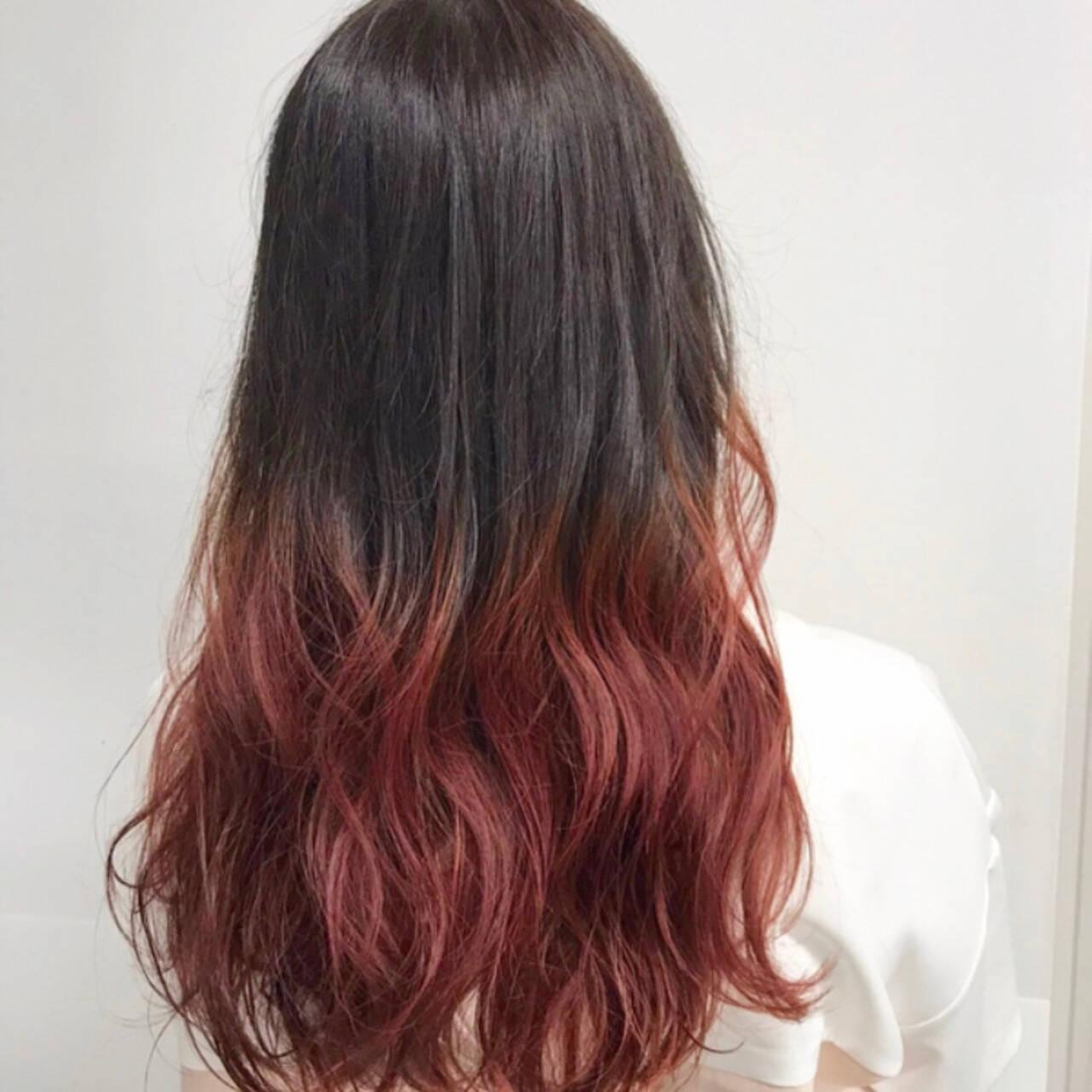 グラデーションカラー ロング レッドカラー グラデーションヘアスタイルや髪型の写真・画像