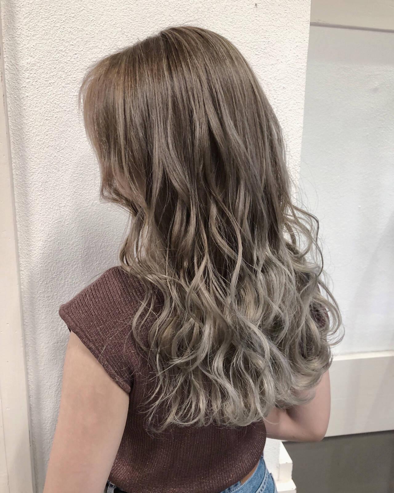 外国人風フェミニン セミロング ハイライト 外国人風カラーヘアスタイルや髪型の写真・画像
