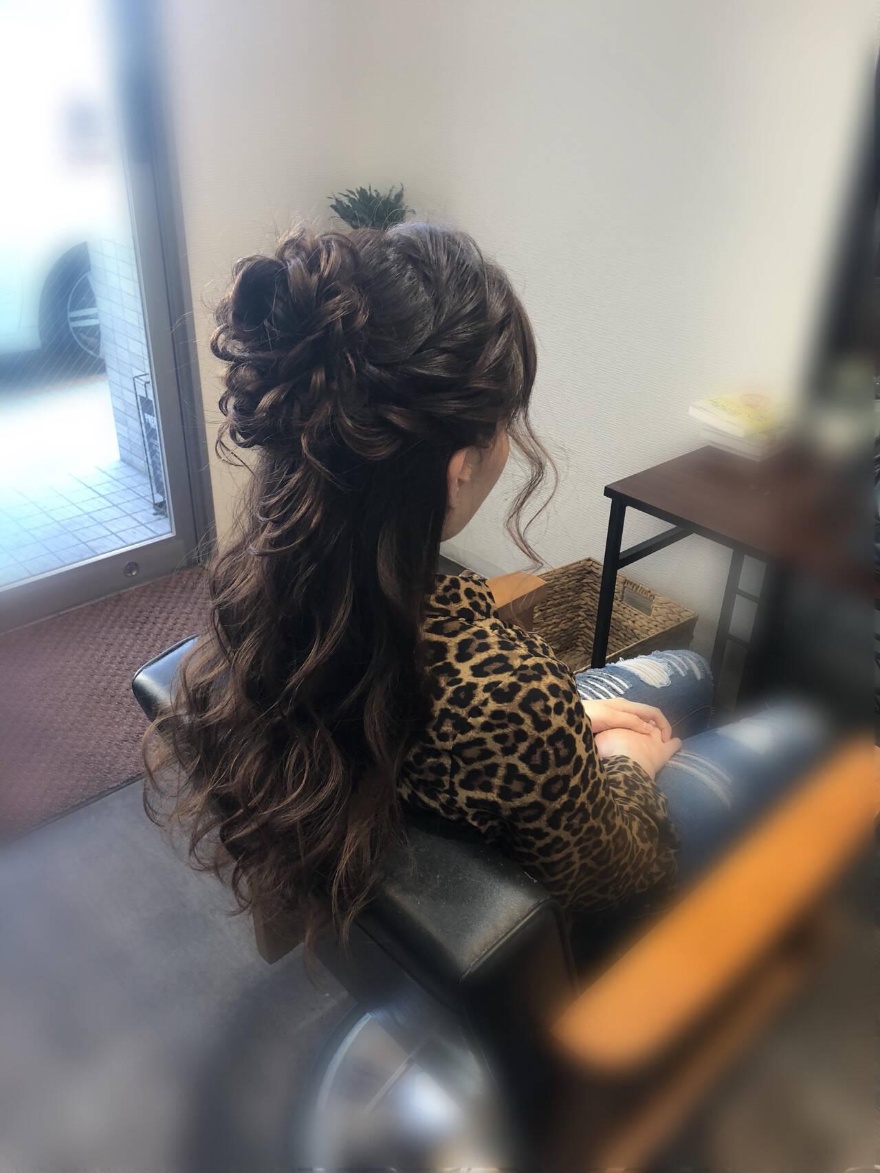 ヘアアレンジ 結婚式ヘアアレンジ ねじり ハーフアップヘアスタイルや髪型の写真・画像