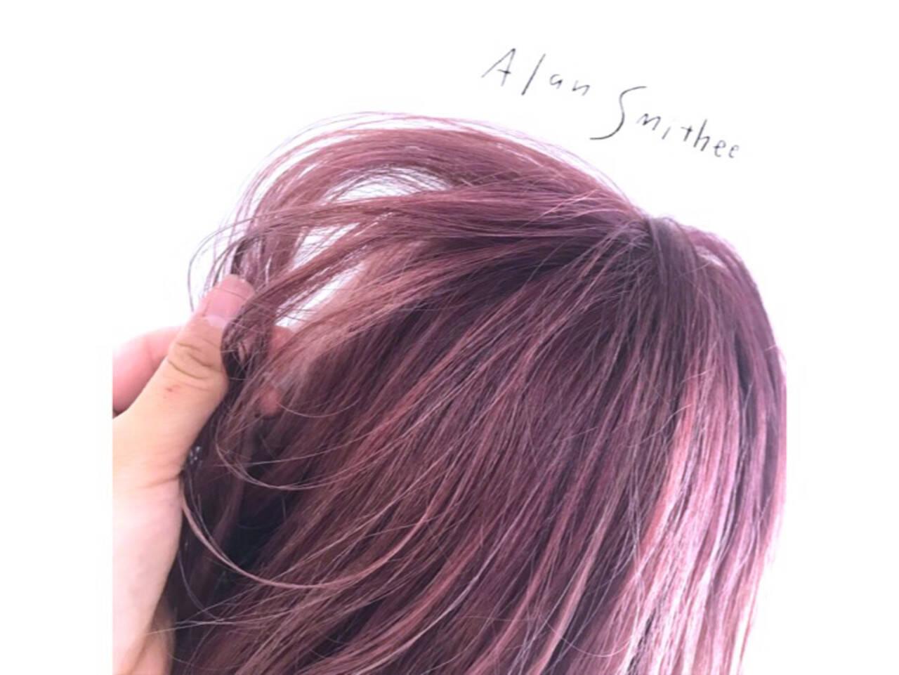 ベリーピンク ラベンダーピンク 波ウェーブ ウェーブヘアスタイルや髪型の写真・画像