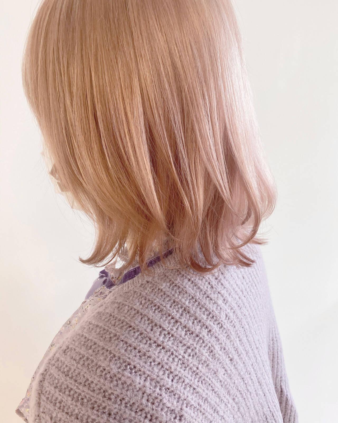 オレンジベージュ フェミニン ブリーチ必須 透明感カラーヘアスタイルや髪型の写真・画像