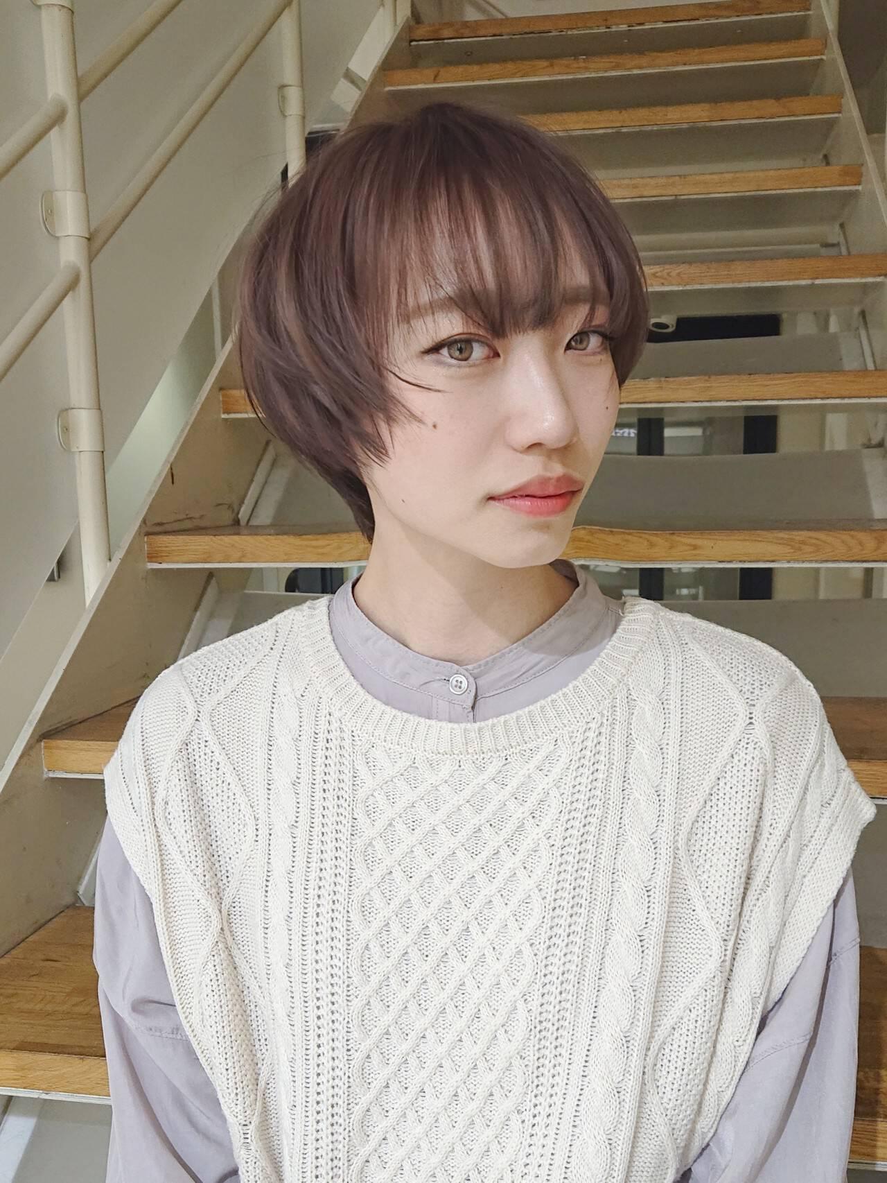 ショートヘア ナチュラル ピンクアッシュ ハイライトヘアスタイルや髪型の写真・画像