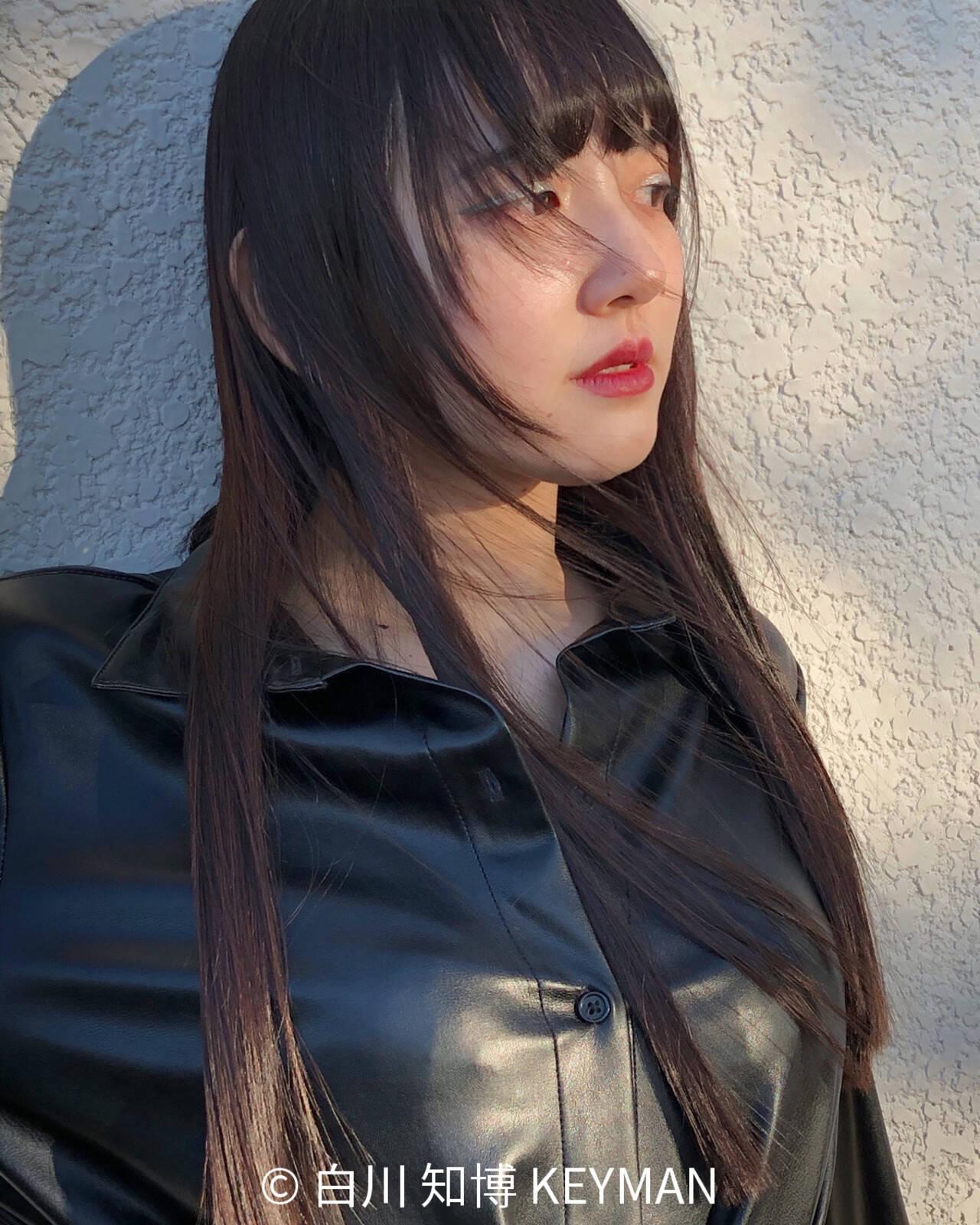 レイヤーカット 切りっぱなし ロング 黒髪ヘアスタイルや髪型の写真・画像