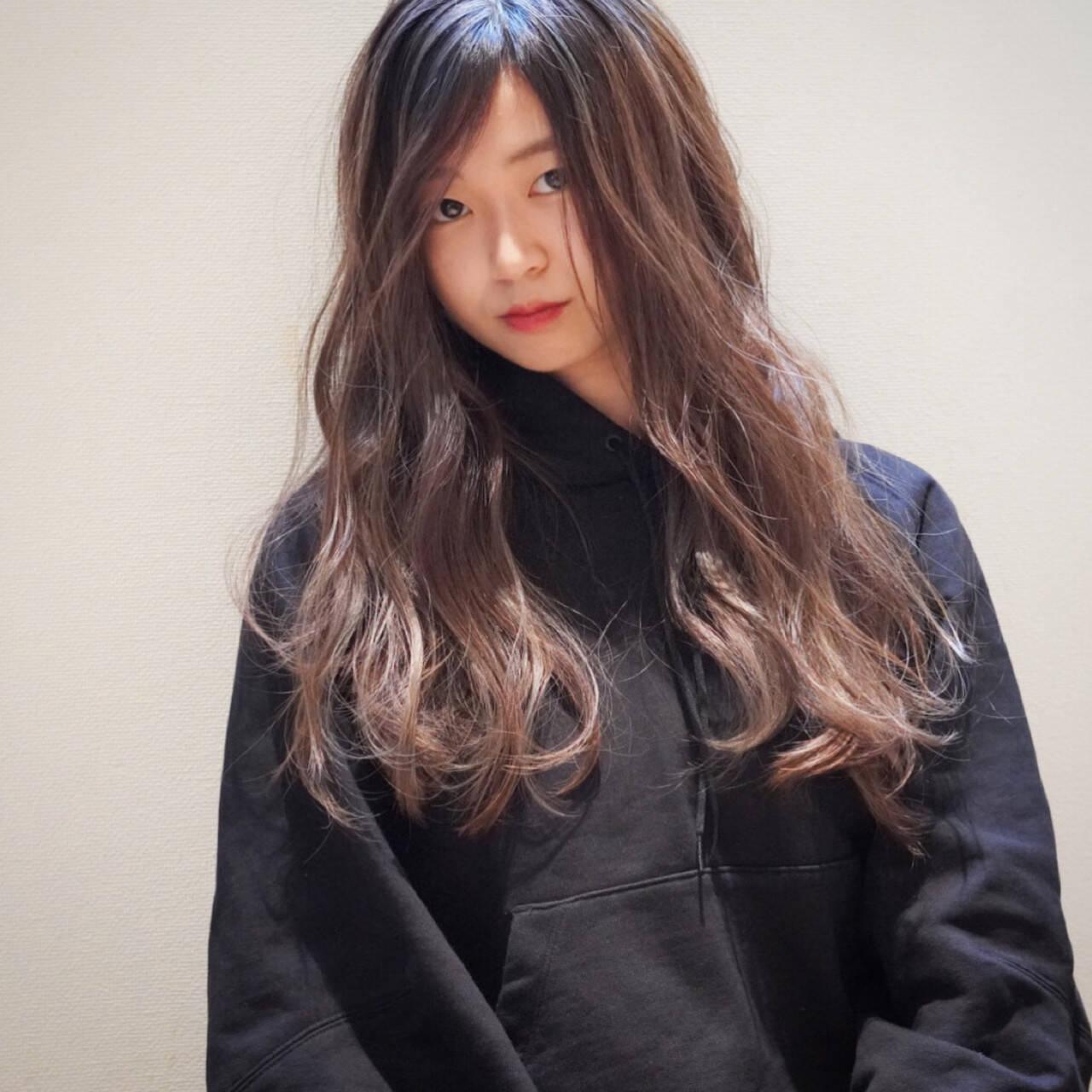 ナチュラル 3Dハイライト 大人ハイライト コントラストハイライトヘアスタイルや髪型の写真・画像