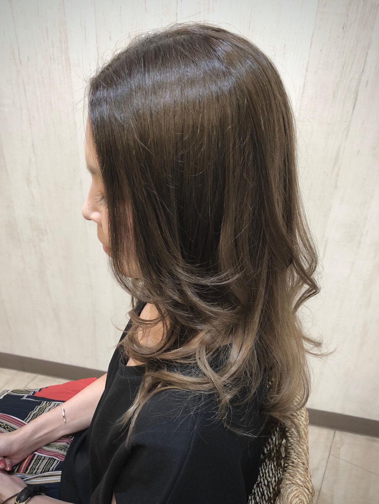 ナチュラル ロング グラデーションカラー 外国人風フェミニンヘアスタイルや髪型の写真・画像