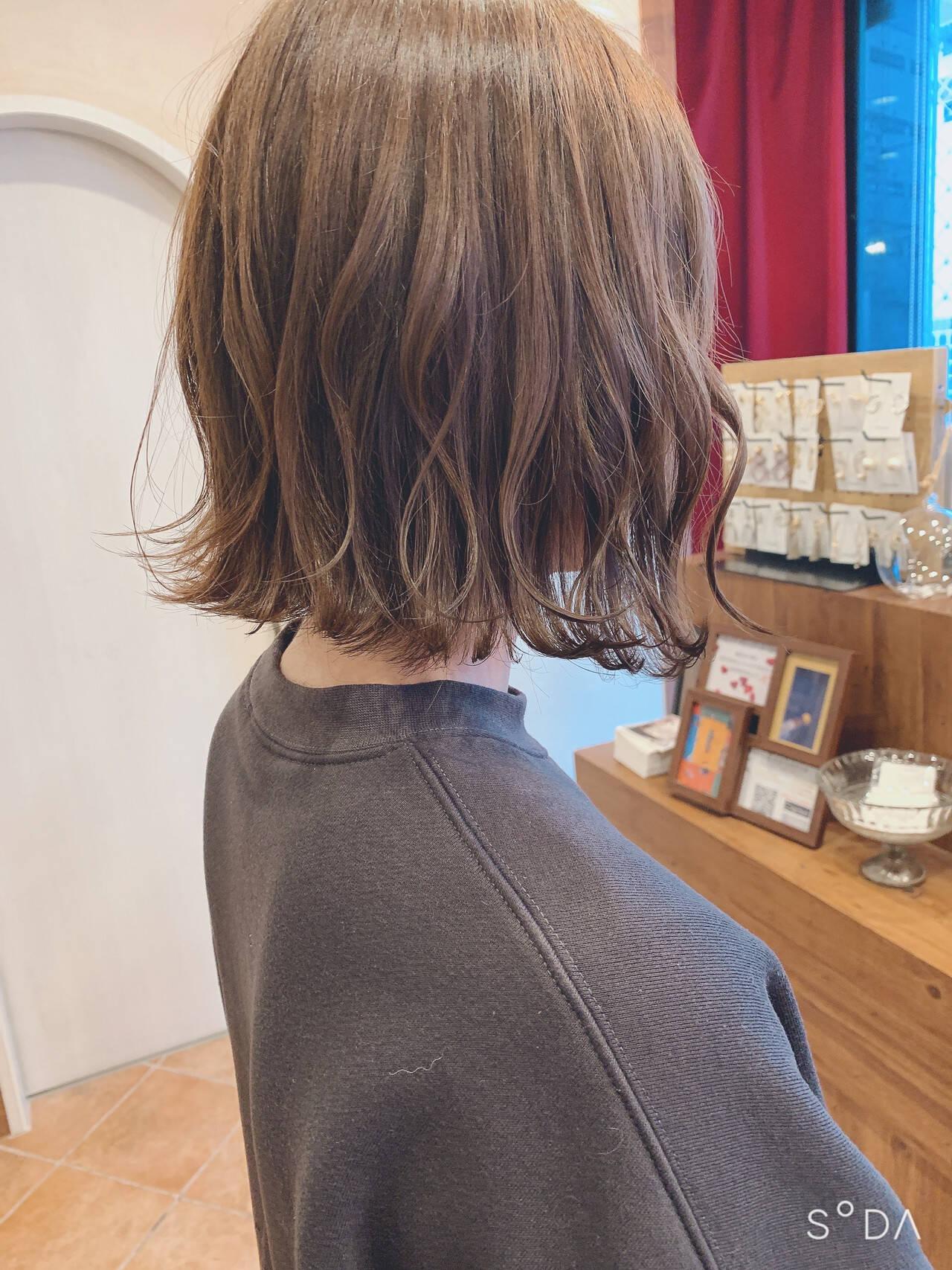 ショートヘア ボブ ナチュラル インナーカラーヘアスタイルや髪型の写真・画像