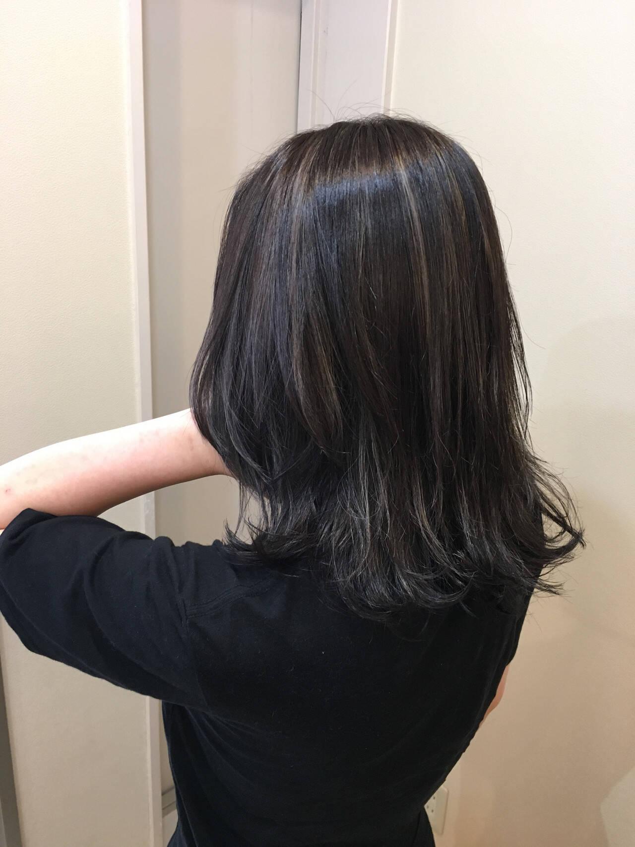 大人ハイライト セミロング ナチュラル バレイヤージュヘアスタイルや髪型の写真・画像