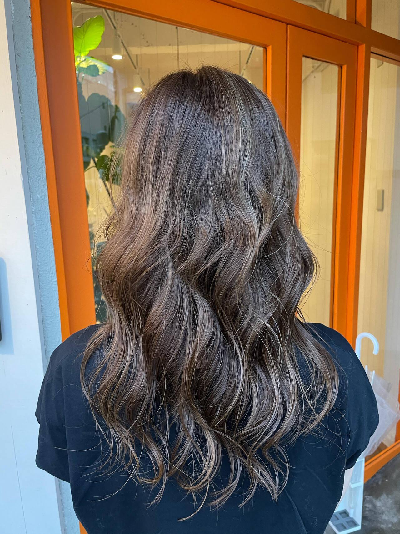 大人ハイライト エレガント コントラストハイライト イルミナカラーヘアスタイルや髪型の写真・画像